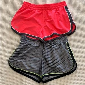 Under Armour heat gear shirts XS